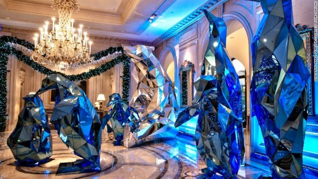 Four Seasons Hotel George V in Paris. Blue penguins and Polar bears.