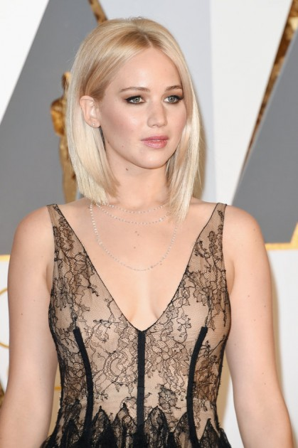 HOLLYWOOD, CA - FEBRUARY 28: Actress Jennifer Lawrence attends the 88th Annual Academy Awards at Hollywood & Highland Center on February 28, 2016 in Hollywood, California.  (Photo by Jason Merritt/Getty Images)