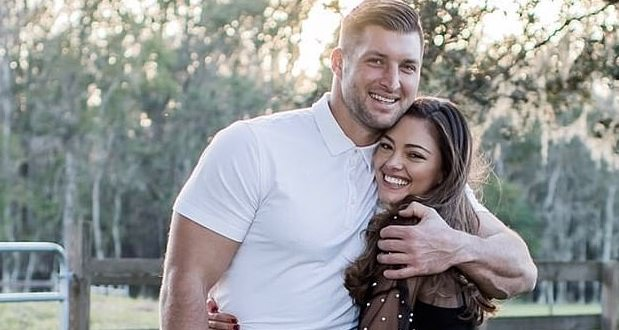 Image 21 Tim Tebow Proposes  Universe Spoiler