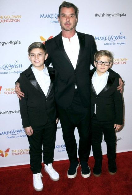 LOS ANGELES, CA - DECEMBER 07:  Musician/singer Gavin Rossdale of Bush (C) and sons Kingston Rossdale (L) and Zuma Nesta Rock Rossdale (R) attend the 4th Annual Wishing Well Winter Gala at Hollywood Palladium on December 7, 2016 in Los Angeles, California.  (Photo by Barry King/Getty Images)