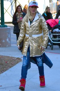 Gwen Stefani wore her Timberland boots while visiting Lake Arrowhead, last weekend.
